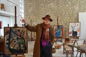 Joan Punyet Miró, nipote dell'artista, nella casa studio del pittore a Maiorca.