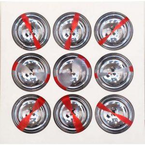 Sfere cromocinetiche, bianco - opera di Franco Costalonga disponibile presso la galleria Deodato Arte