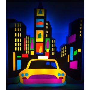 Times Square - scultura luminosa in perspex e neon disponibile presso la galleria Deodato Arte